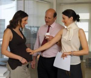 Когда на работе говорить о беременности в отдел кадров украина
